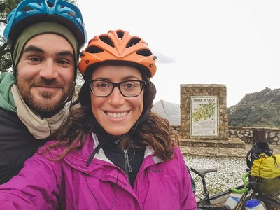 上週才被IS恐攻!情侶信「人性本善」照樣單車壯遊...就此送命