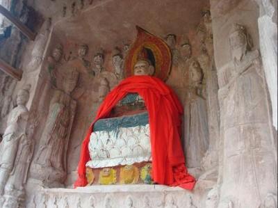 四川佛像遭「濃妝毀容」 官方揭真相