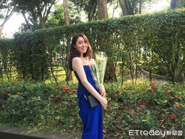 韓國瑜23歲「長髮學姊」許右萱操刀網路 曾打敗小英LINE!