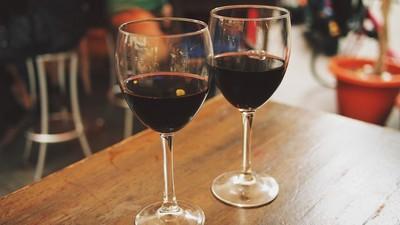 西班牙研發「喝不醉的紅酒」 釀酒商:機密配方100%模仿葡萄酒味