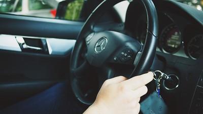 方向盤左邊「神奇桿子」功能曝 駕駛:很多人不知道
