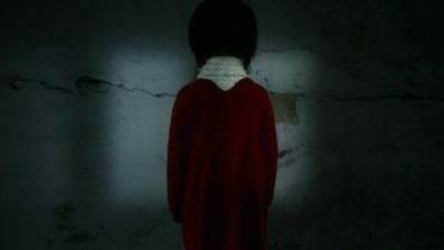 重慶紅衣男孩事件!穿女性泳衣懸掛家中 兇手取魂專挑「13歲13天」