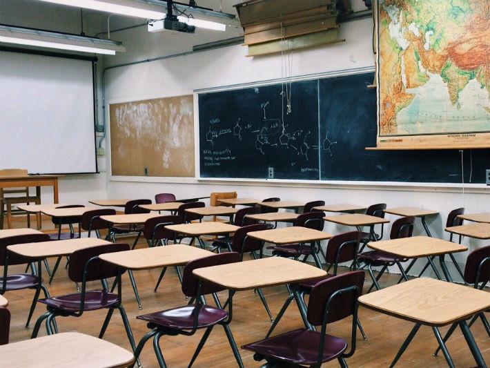 ▲▼教室,作弊(圖/取自Pixabay)