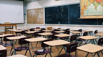 韓國雙胞姊妹「校排121名衝到第1」 抓到教務處長爸先洩題