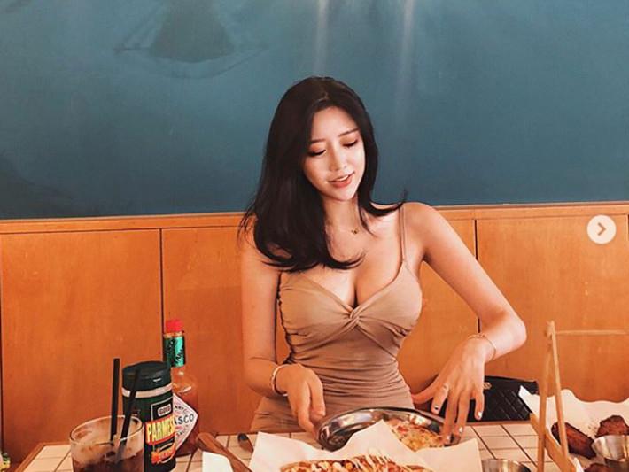 「韓國郭雪芙」Choi Somi霸氣秀胸部X光嗆網友:早說這純天然啦