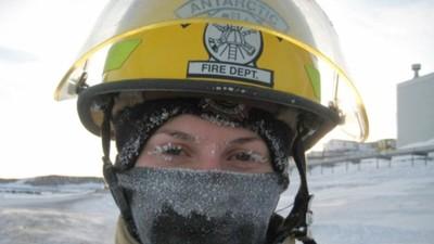 南極竟然也會火災!妹子跑去南極當消防員 最怕消防車整台結冰