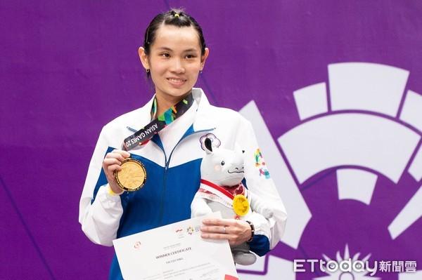 戴資穎,臺灣羽球女運動員,為台灣史上首位羽球女子單打項目世界排名第一。
