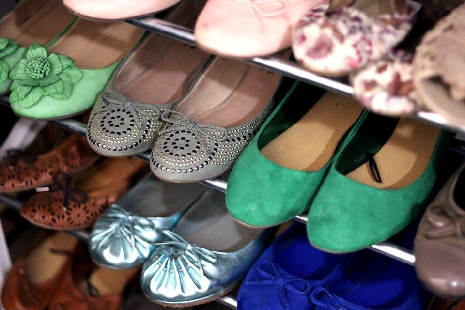 ▲▼鞋櫃,鞋子,鞋架。(示意圖/pixabay)