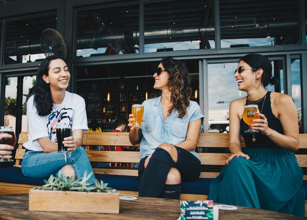 4點教你學會正確社交 人際學專家:晚上10點後的聚會零價值