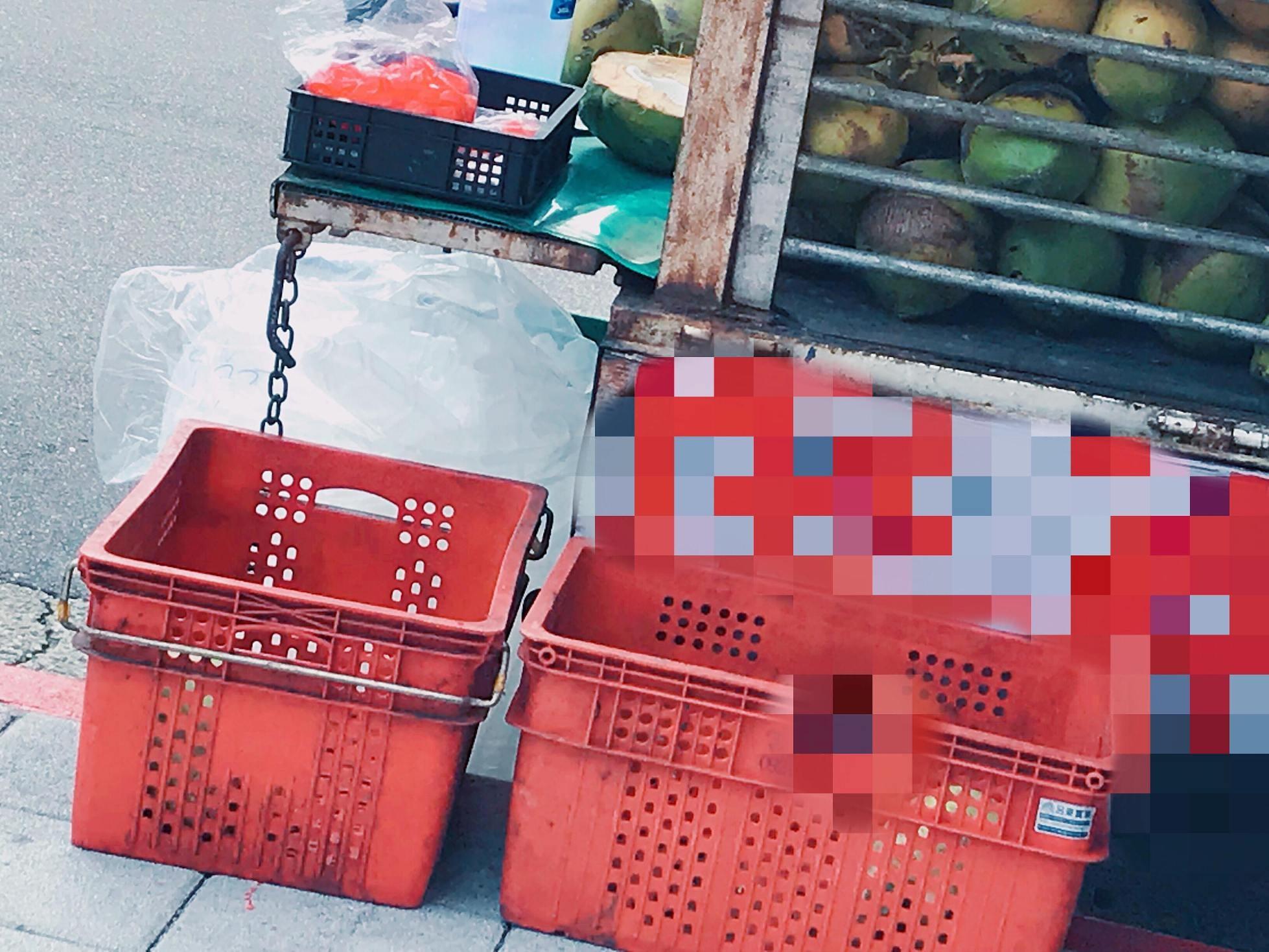▲▼私大學費貴!男大生暑期泡菜市場打工:我媽本來叫我去搬水泥(圖/小檸檬供稿專用)