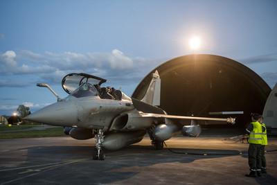 印度接收首架「飆風戰機」