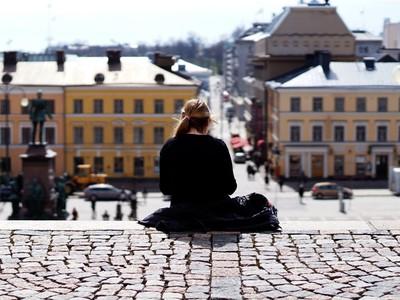 你有「JOMO」嗎?四個字母=邊緣厭世的爽感,世界怎轉關我啥事