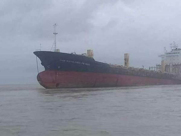 ▲緬甸幽靈船。(圖/翻攝臉書/Yangon Police)