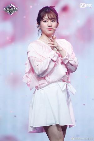 ▲竹內美宥宣布從AKB48畢業。(圖/翻攝自Mnet)