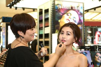 尹恩惠「咬唇妝」的推手 韓彩妝師SUK示範原汁韓妝