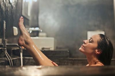 洗澡時間正確=治病! 「狂失眠、過敏人」記得洗洗睡就沒錯