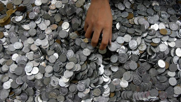 ▲▼硬幣支付贍養費(圖/翻攝自RT.com)
