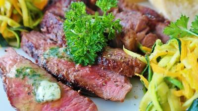 法國研究:不吃肉失智風險提高58%