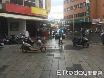 自摔嗆警 警:未達妨害公務程度