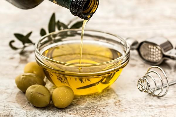 「胖怕不吃油」觀念超NG!營養師教你「選對油」:油脂是必要營養素