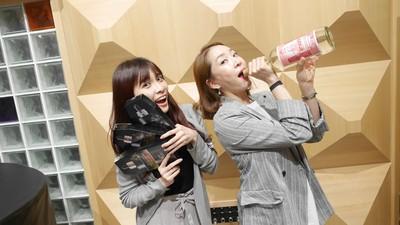 台韓女伶相見歡 送高粱以酒會友
