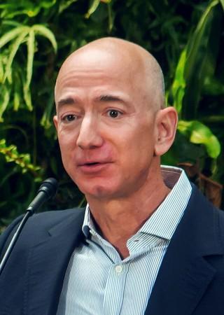 ▲▼贝佐斯是亚马逊现任董事长兼CEO。(图/翻摄自维基百科)
