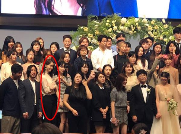 李聖經、朴信惠、潤娥參加Roco婚禮。(圖/翻攝自IG/@yjkang34)