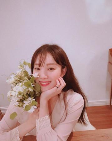 李聖經、朴信惠、潤娥參加Roco婚禮。(圖/翻攝自IG/李聖經)