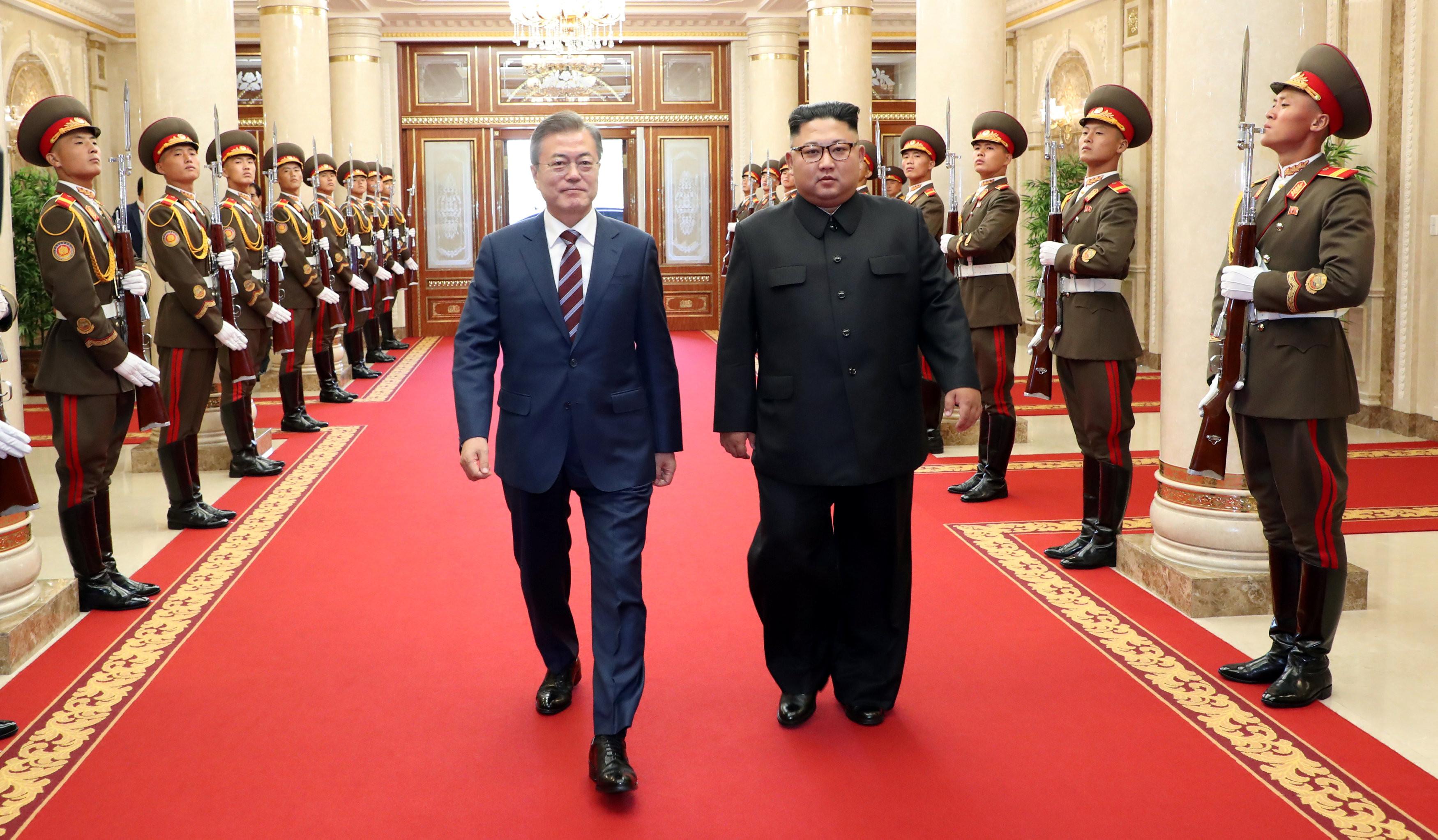 ▲▼文金三會,南北韓高峰會,文金會,平壤高峰會談,文在寅,金正恩。(圖/路透社)