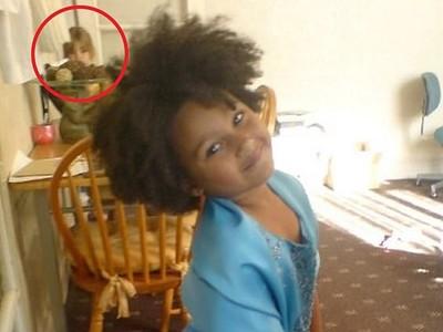 「10年舊照」赫見7歲女兒站後面! 母樂歪:她穿梭時空來看我