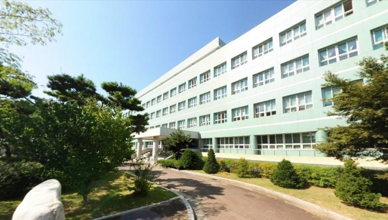 ▲▼首爾某女子高中被指控校園性騷(圖/翻攝自Naver Blog)