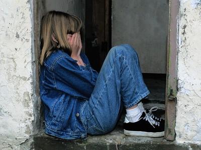 你以為孩子長大會忘記?這篇研究真相送給「施暴的父母們」