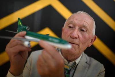 收藏2300架飛機模型 爺:捐機場展出