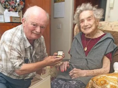 「趁還不晚把婚結了」百歲人瑞嫁小26歲伴侶 英國女皇也寫信催婚