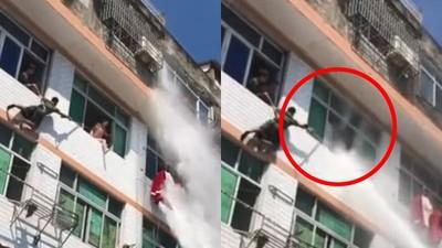高壓水砲轟進4樓窗! 跳樓女被「彈回房內」充氣墊免鋪了
