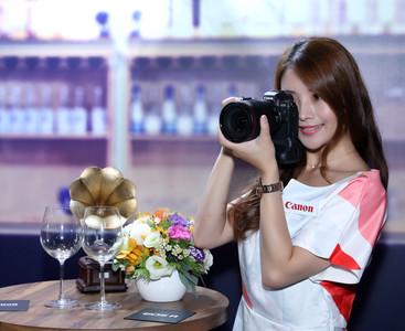 Canon推全新EOS R拍攝系統