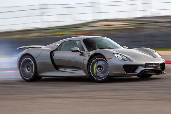 ▲除了一般跑車賣得好,就連身價不斐的當家油電超跑918 Spyder也在台灣賣了8輛。(圖/業者提供)
