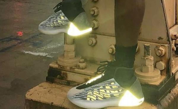 ▲反光球鞋將遭聯盟禁止著用。(圖/截自ESPN)