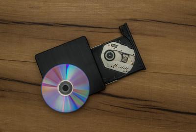 小四外甥一句「光碟片是什麼」他震驚