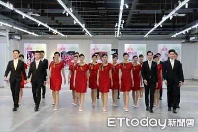 國慶親善大使亮相 中國醫團隊有明星臉