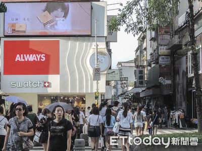 百貨、電商雙夾擊 網路時代店面革命