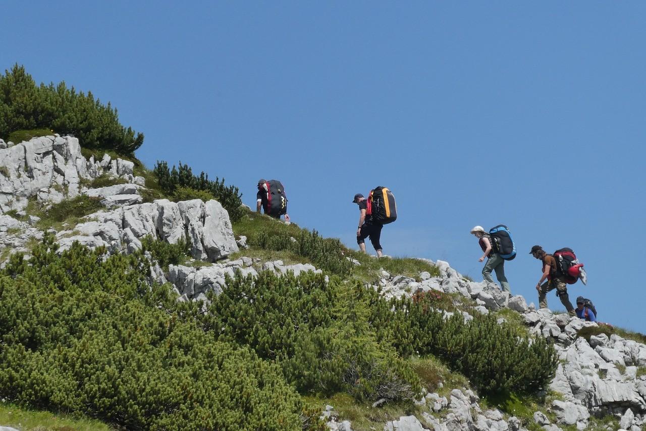 ▲▼膝蓋,爬山,登山,行走。(圖/翻攝自pixabay)