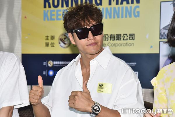 ▲金鍾國在台灣也不忘要健身。(圖/記者李毓康攝)