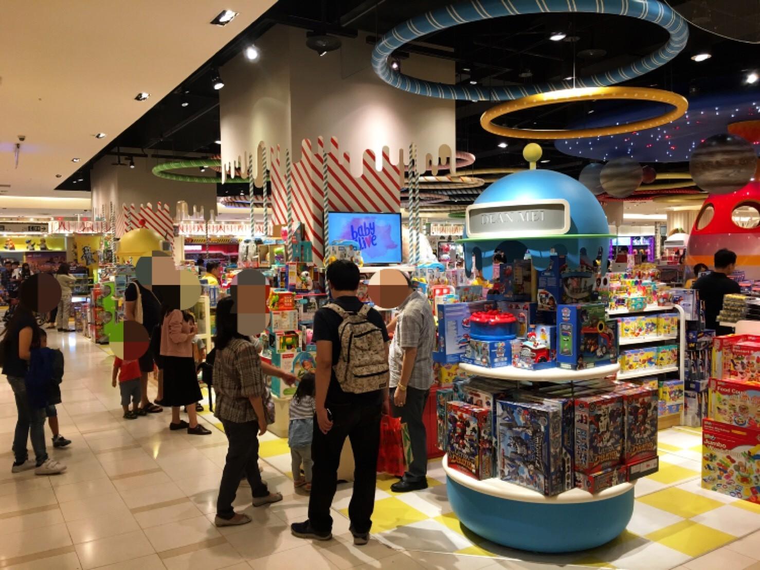 ▲▼買玩具看出家教! 櫃姐:玩具櫃就是「怪獸與牠們的產地」。(圖/小檸檬供稿專用)