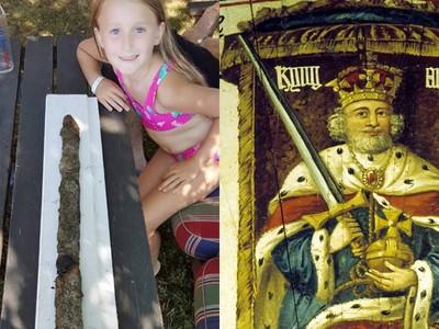 湖底「1500年寶劍」首次被拔起! 8歲女童游泳發現古代藏寶地