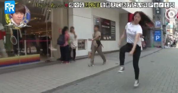 ▲▼日本節目實測「小鳥跳」,少女說超難。(圖/翻攝自YouTube)