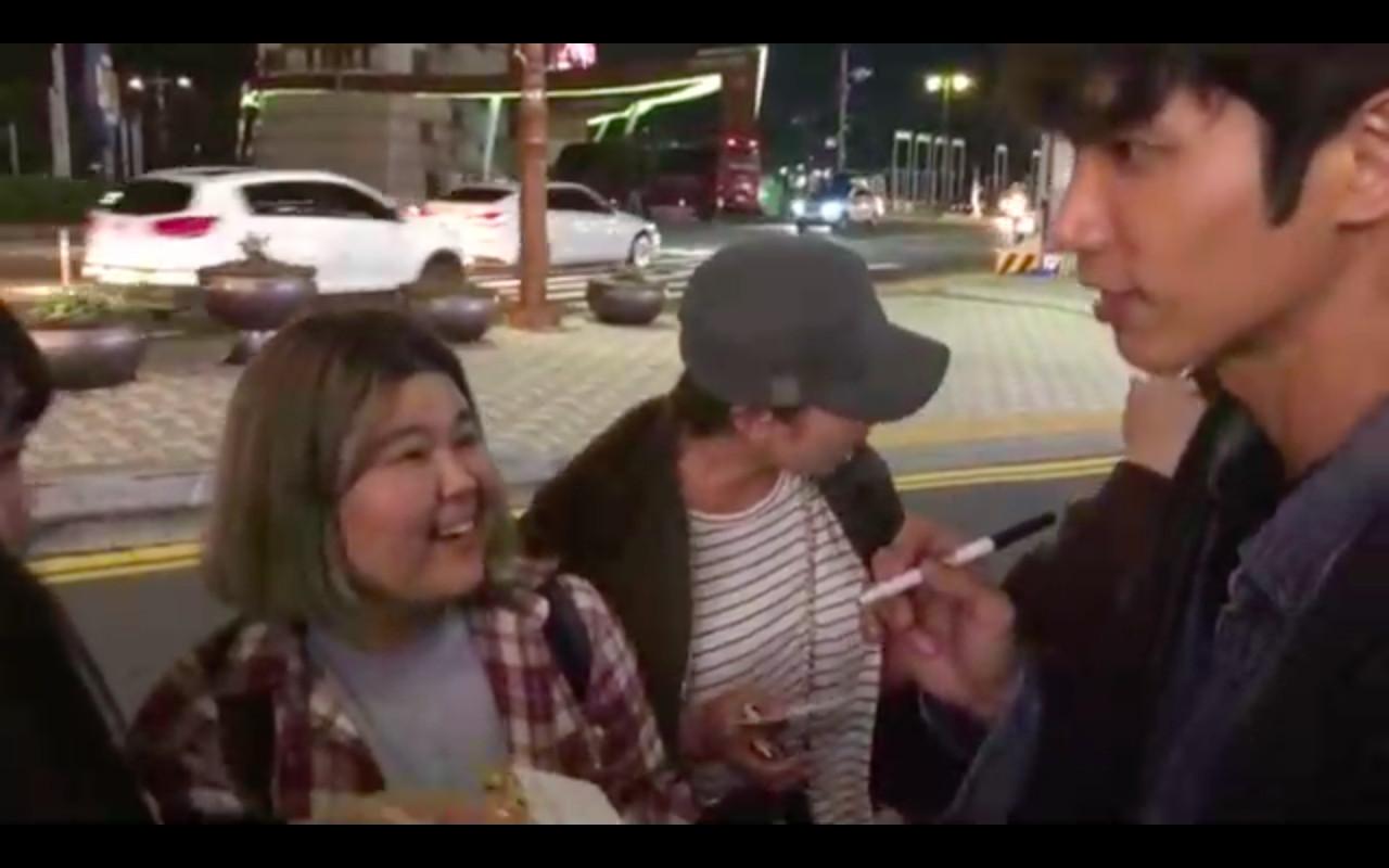 ▲▼ 劉以豪視訊《RM》哈哈「認證去烤肉店」路上被韓粉包圍。(圖/伊林提供)