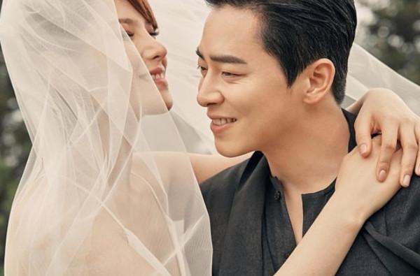 曹政奭、Gummy结婚了。 (图/翻摄自GUMMY IG)