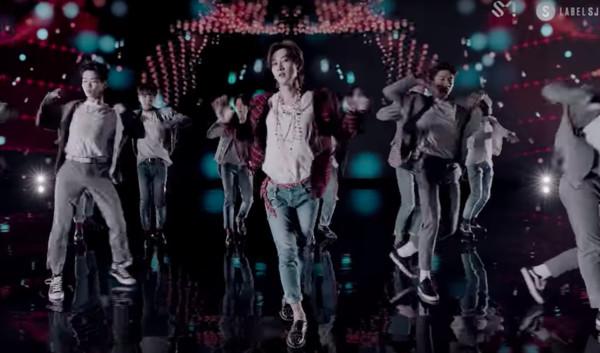 ▲▼朝聖!SJ澳門拍MV「美到零負評」 這幕與《延禧》高貴妃侍寢有關(圖/翻攝自《ONE MORE TIME》MV )