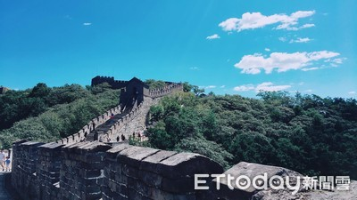 北京慕田峪長城拍照不用擠!好漢登城還可以溜滑梯下山